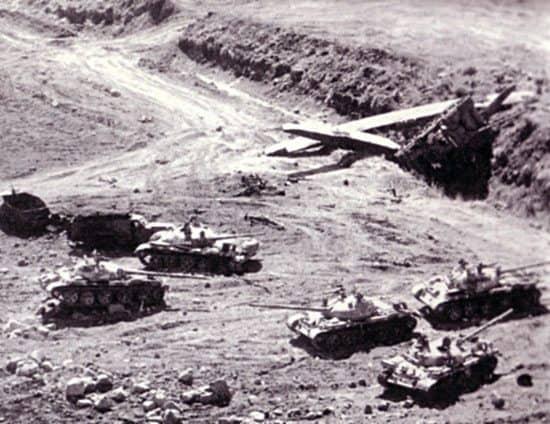 اقتحام الدبابات سيناء