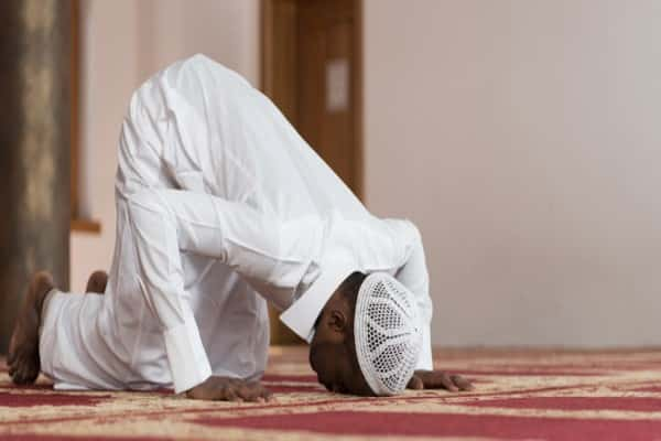 الصلاة لغير القبلة