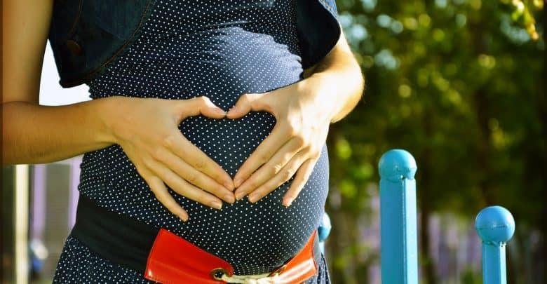 كيف اعرف إني حامل قبل الدورة