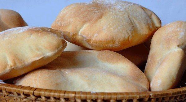 طريقة عمل الخبز السوري الشامي في المنزل