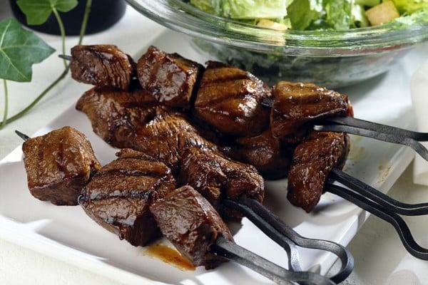 طريقة عمل شيش طاووق اللحم للشيف حسن