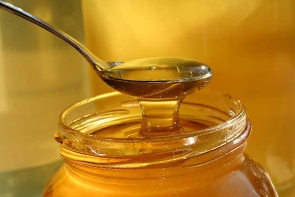 علاج الكحة للاطفال بالعسل