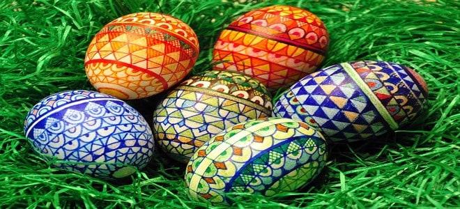 بيض ملون بمناسبة شم النسيم