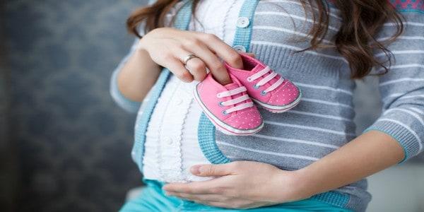 تسهيل الولادة وتعجيلها