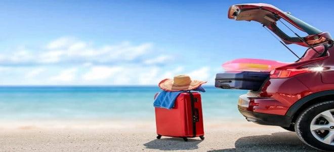 المواصلات أم القيادة خلال السفر